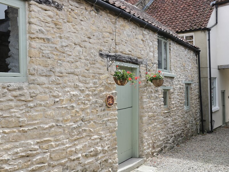 CHERRY TREE COTTAGE, pet friendly, character holiday cottage, with open fire in, holiday rental in Pickering