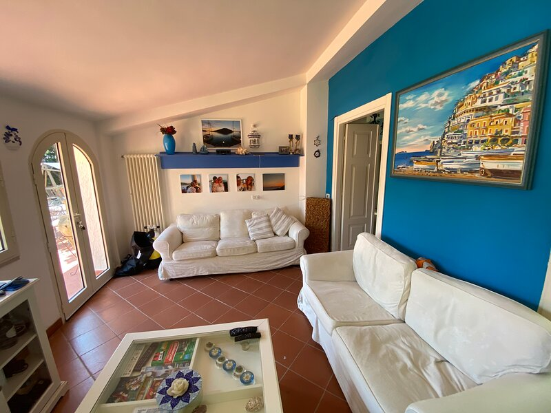 Villa Vittoria residenza privata con piscina, location de vacances à Vieste