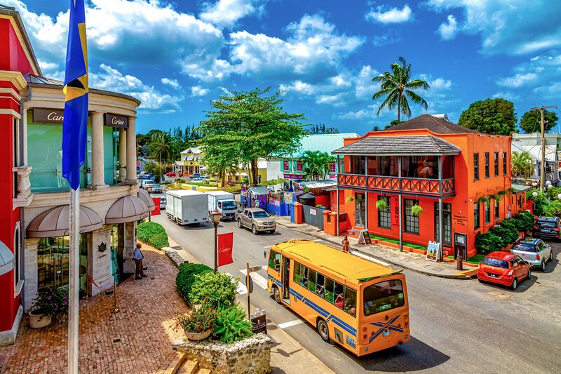 Holetown is less than a 5 min drive away - and has lots of options for shopping, dining, supermarket, etc
