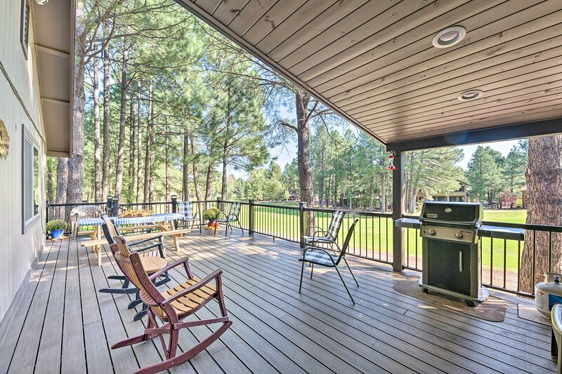 Dog-Friendly Home w/Deck on Pinetop Lakes Course!, holiday rental in Apache County
