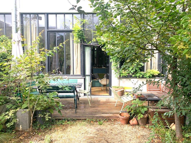 Loft 130 m2 avec jardin privé, holiday rental in Les Lilas