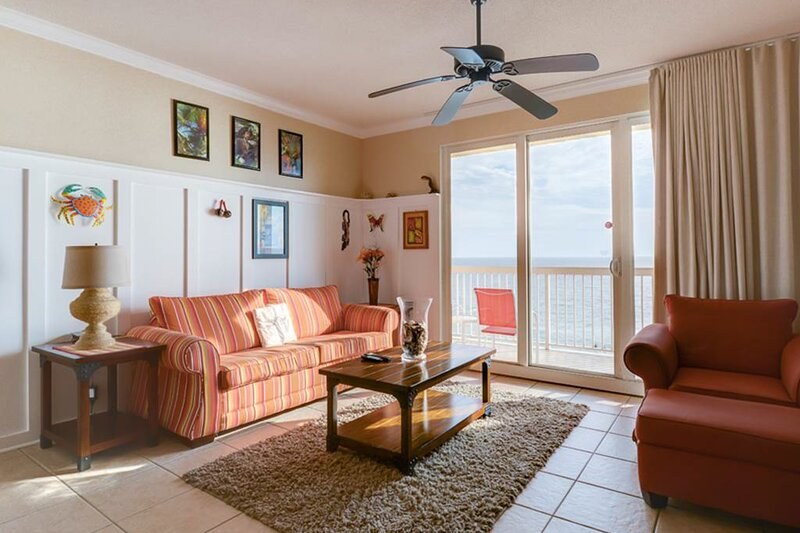 Stunning Florida getaway w/ Gulf view, shared pools, & central location!, holiday rental in Sunny Isles Beach