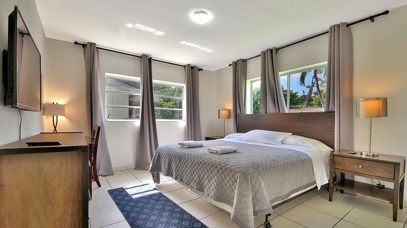 3/1 Best Gables Home 5min from Airport, 8 guests, alquiler de vacaciones en Coral Gables