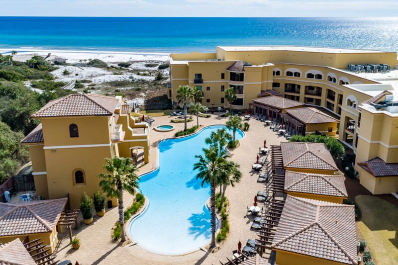Gulf view condo at beachfront property w/ pools, hot tubs, gym & virtual golf!, vacation rental in Blue Mountain Beach