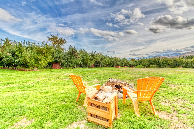 Quiet orchard home w/ private hot tub & Ping-Pong near Wenatchee - Dogs ok!, alquiler vacacional en Orondo