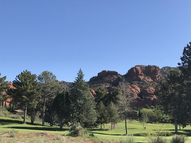 Single Story home with Golf Course Views KLONDIKE - S030, holiday rental in Village of Oak Creek