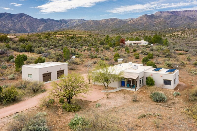 Just Listed! Beautiful Cottonwood Property! Views! New Furnishings! - Siesta Rid, holiday rental in Cottonwood