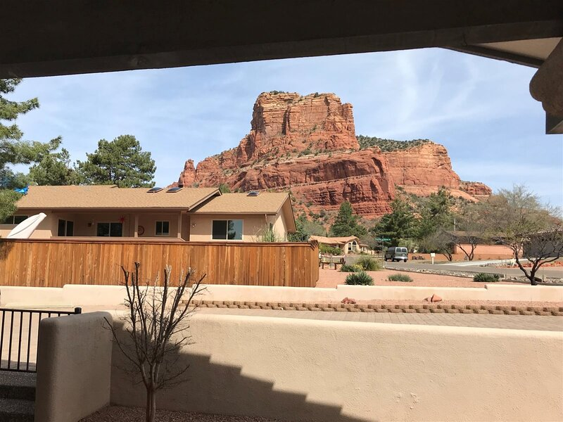 Great Home and Views!! Fairway Oaks - S105, holiday rental in Village of Oak Creek