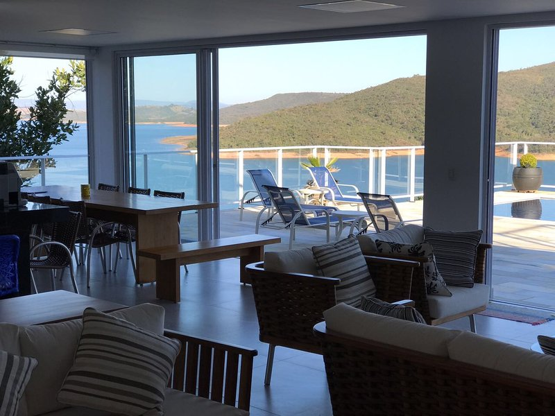 Escarpas do Lago Luxuosa com Vista Cinematográfica, holiday rental in Piumhi