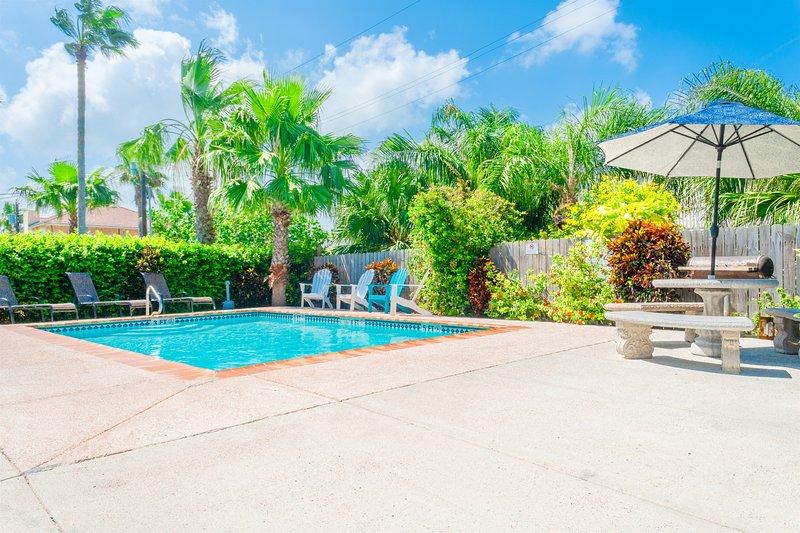 Casa Caracol B - Awesome 2 Bedroom Condo, Walk to the Beach, WiFi- PadreVacation, location de vacances à Île de South Padre