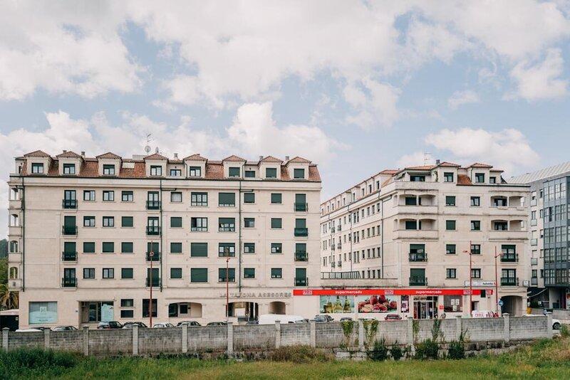 Apartment - 4 Bedrooms - 108599, casa vacanza a Cuntis