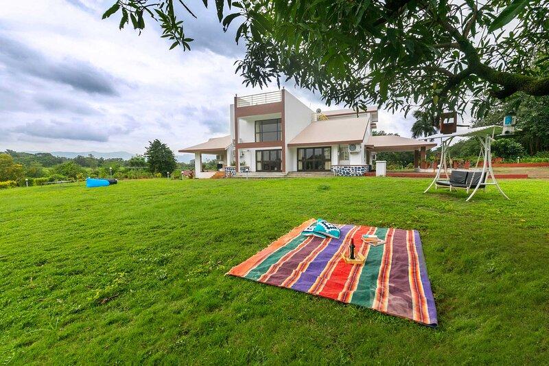 The Bloom by Vista Rooms, aluguéis de temporada em Raigad District