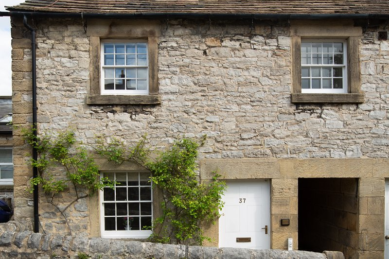 The Cottage, 37 North Church Street, Bakewell, holiday rental in Peak District National Park