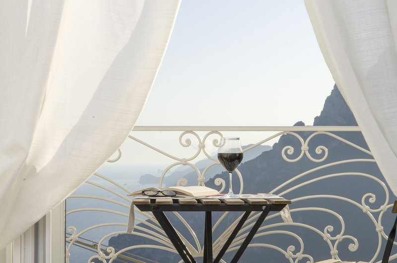 Casa Romelide, amazing view on the Amalfi Coast and private garden, holiday rental in Montepertuso
