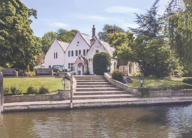 Magna Carta House in Staines Beautiful Garden, aluguéis de temporada em Egham