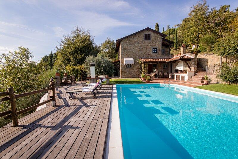 Villa la Foce: breathtaking panoramic view, location de vacances à Castiglion Fiorentino