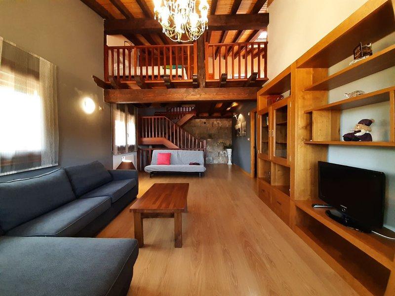 Garai Etxea. Casa en la montaña a 15 minutos de Bilbao, holiday rental in Orozko