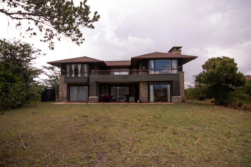 Villa in the Wild, Mount Kenya Wildlife Estate #19, casa vacanza a Naro Moru