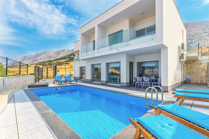Villa Pag Rainbow with Pool, holiday rental in Pag