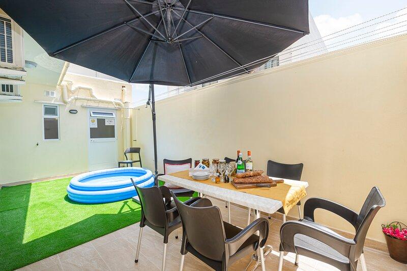 Summer Breeze 3 Bedroom Maisonette, holiday rental in Xemxija