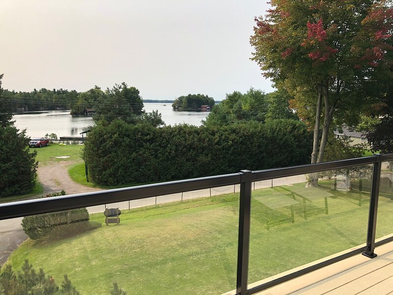 Ivy Lea Suites, vacation rental in Gananoque