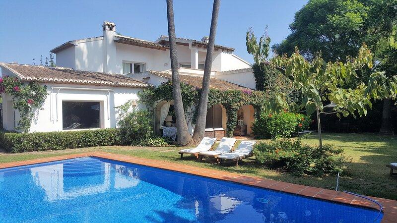 Villa familiar descanso perfecto ,El Tosalet exclusivo WIFI,/Pool, holiday rental in Javea