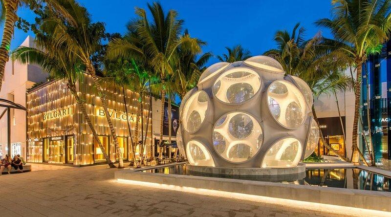 Ultimate Miami Getaway! Great and Clean Studio Unit, Pool, Restaurant, Parking!, alquiler vacacional en Doral