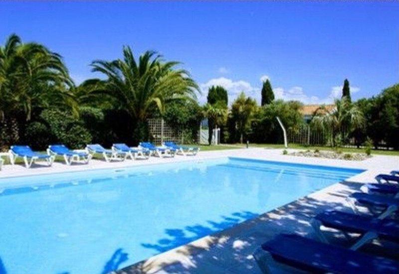 Maison 2/4 personnes proche plages - Piscine chauffée, location de vacances à Charente-Maritime