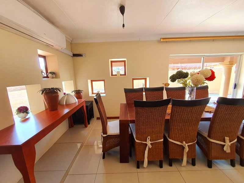 Double Room in cosy Guesthouse, one of the select guesthouses in Mahikeng, holiday rental in North-West Province