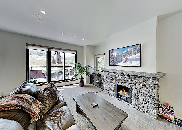 Beautiful Views, Updated Condo with Great Amenities, location de vacances à Snowmass Village