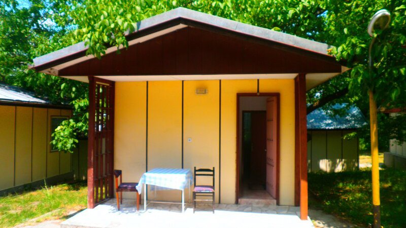 2 persons Bungalow in lovely and familial area, aluguéis de temporada em Chrisochorafa
