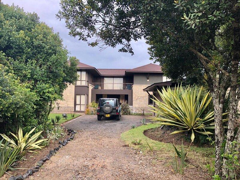 Villa in the Wild, Mount Kenya Wildlife Estate #40, casa vacanza a Naro Moru