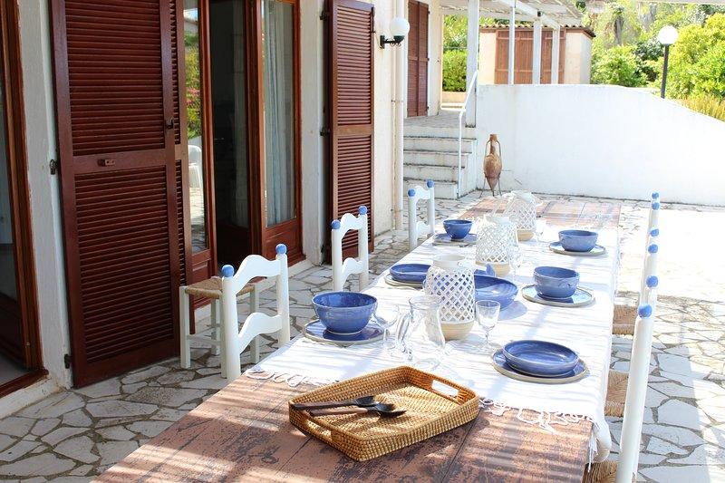 Villa pour 12 personés, vue mer et montagne, casa vacanza a Lumio