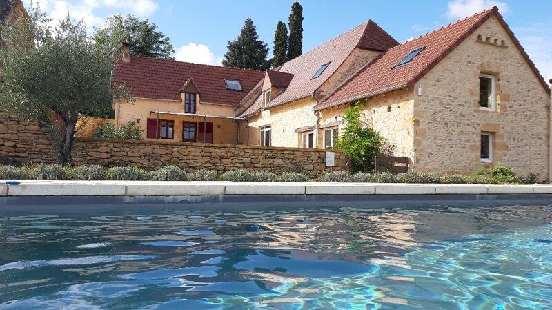 Clos Lamonzie - maison 4 chambres - piscine privée, location de vacances à Tamnies