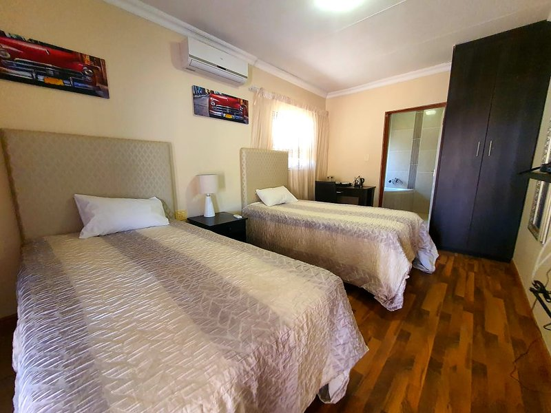 Tenacity Mafikeng Guesthouse - 4, holiday rental in North-West Province