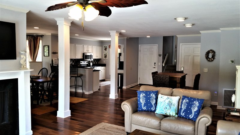This Elegant, Easy-Flowing villa is steps away from all Resort Amenities-Golf, Tennis & Heated Pool!