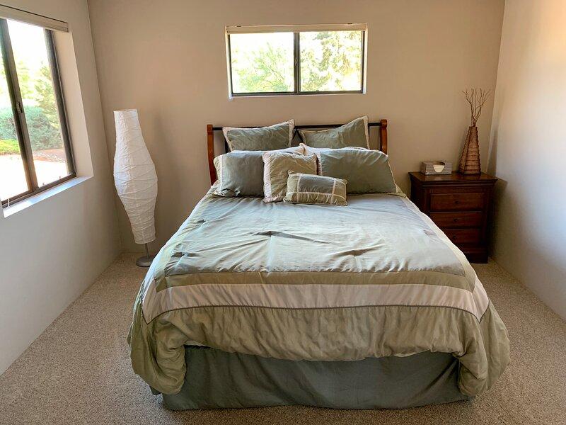 Guest queen bed