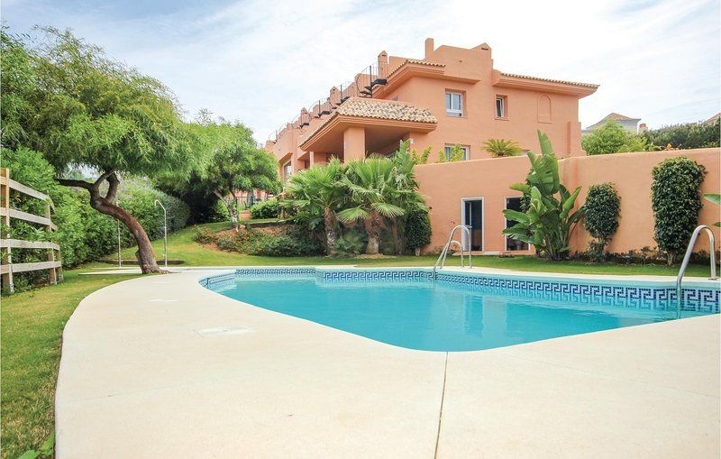 Beautiful home in Marbella with WiFi and 5 Bedrooms (EAS053), vacation rental in Artola