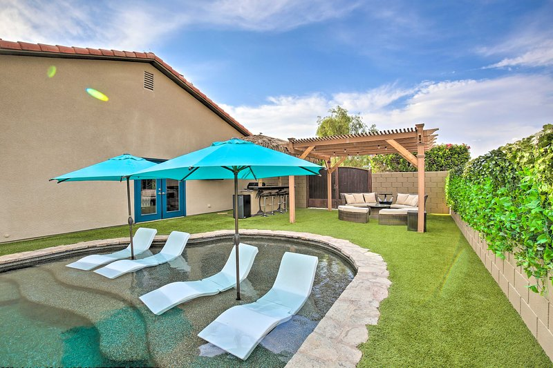 NEW! Work-From-Home-Friendly Oasis Near Festivals!, holiday rental in Coachella
