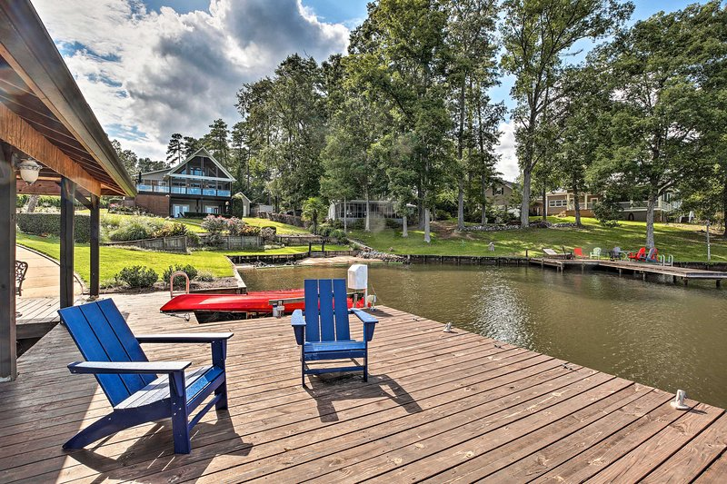 NEW! Upscale Lake Living: Private Dock and Beach!, vacation rental in Milledgeville