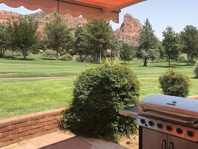 Great home for Golfers on the 3rd Green of the Oak Creek Golf Course GLENBAR - S, holiday rental in Village of Oak Creek