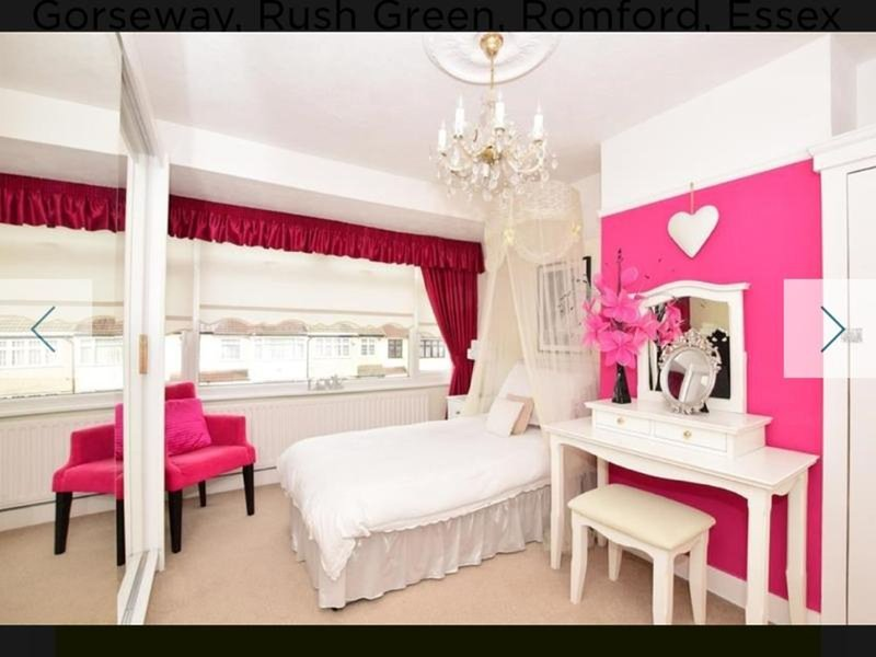 Beautiful Double bedroom, Cosy and Spacious, feel like your Home, vacation rental in Romford