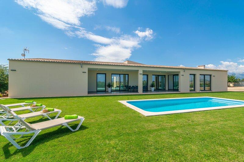 SON SASTRE (FIGUEROLA) - Villa for 6 people in Muro, holiday rental in Muro