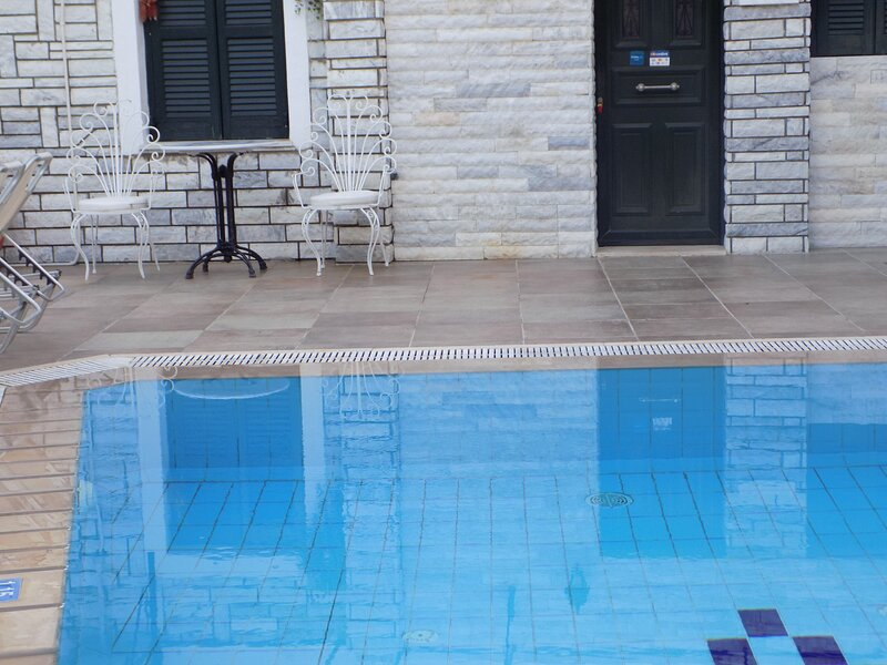 AFRODITIS APARTMENT-STUDIO, vacation rental in Nissaki