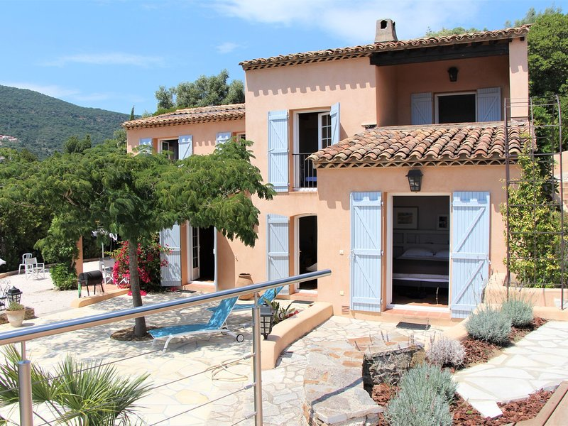 Mare E Sole, holiday rental in Cavalaire-Sur-Mer
