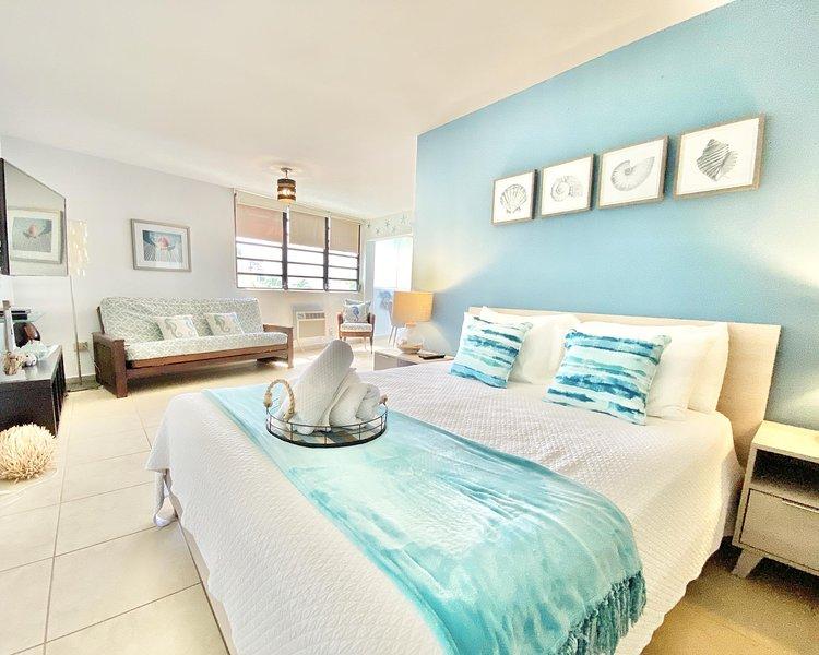 OCEAN PARK BEACH Studio for 2 BEACH BLOCK, casa vacanza a Santurce