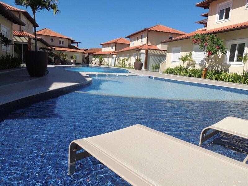 Casa super confortável, 3 quartos em condomínio privativo em Geribá/ Búzios (400, holiday rental in Armacao dos Buzios