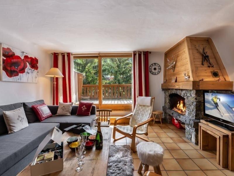 Chalet familial situé en plein centre de Courchevel Le Praz, holiday rental in Saint-Bon-Tarentaise