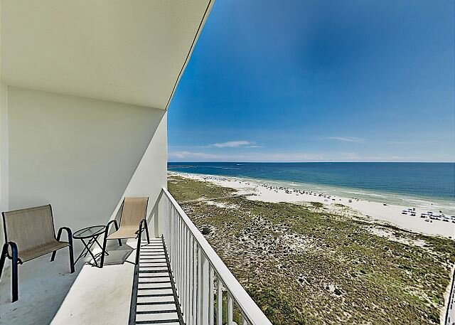 Gulf-Front Getaway at Tidewater with Two Pools, Hot Tub, Gym & Sauna, location de vacances à Orange Beach