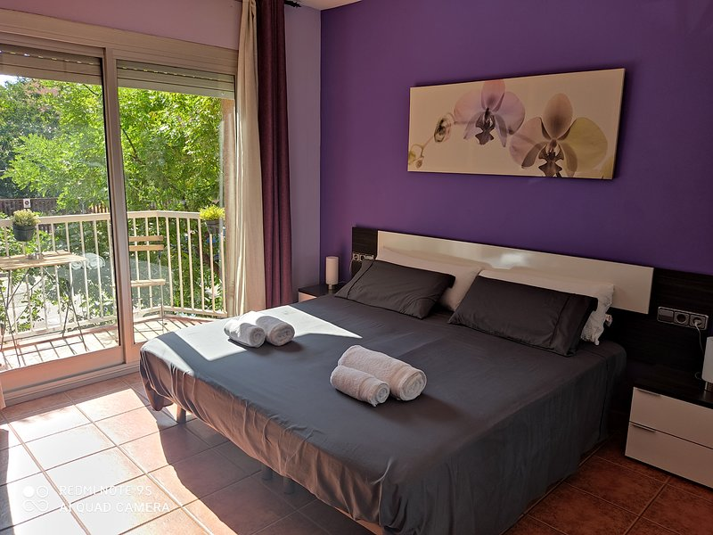 APARTAMENTO ENTERO A 20' DE BARCELONA, holiday rental in Llica d'Amunt